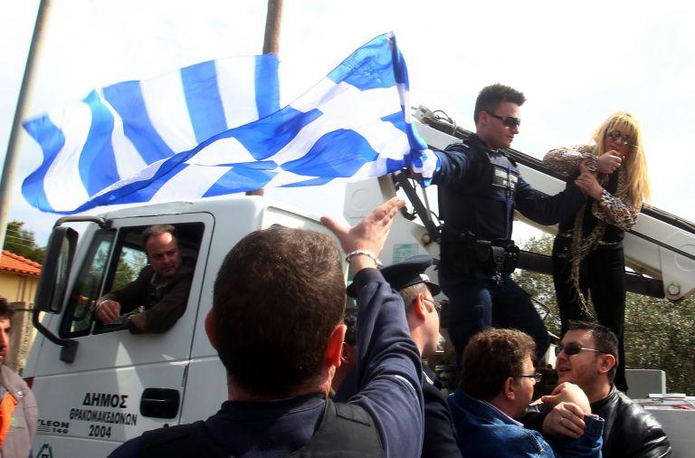 Μολότωφ στο Κέντρο Κράτησης Μεταναστών στην Αμυγδαλέζα | tovima.gr