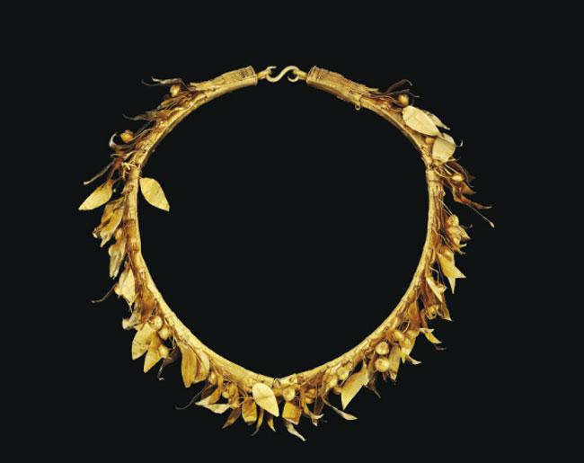 Πωλήθηκε το χρυσό μακεδονικό στεφάνι   tovima.gr