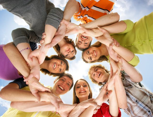 Πιο υγιείς όσοι ανήκουν σε κοινωνικές ομάδες | tovima.gr
