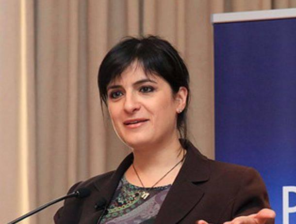 Έλενα Παναρίτη: «Δεν παράγεται πολιτική από τη Βουλή, όπως θα έπρεπε θεωρητικά» | tovima.gr