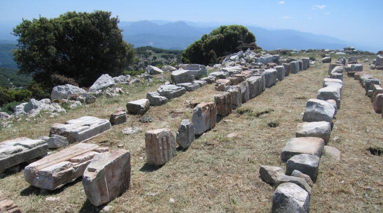 Αποκαλύφθηκε άγνωστος  αρχαίος  ναός  απέναντι από τον Επικούρειο | tovima.gr