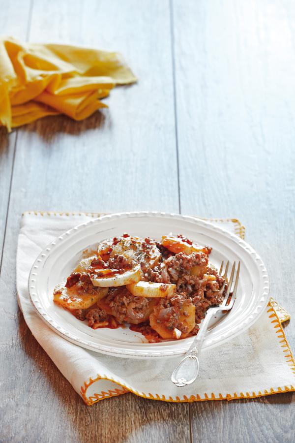 Κιμάς με πατάτες στην κατσαρόλα | tovima.gr