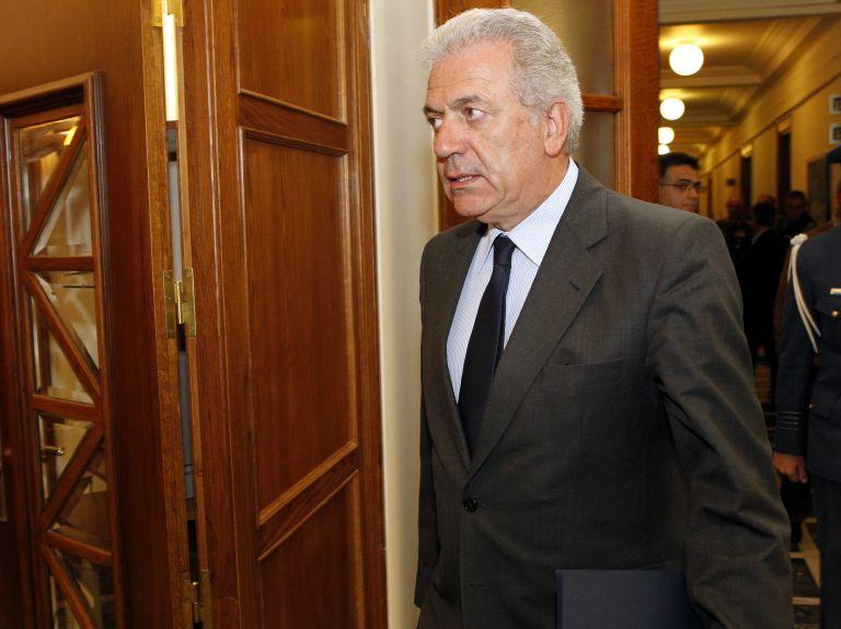 Δημήτρης Αβραμόπουλος: Ωμή και απαράδεκτη η παρέμβαση Σόιμπλε   tovima.gr