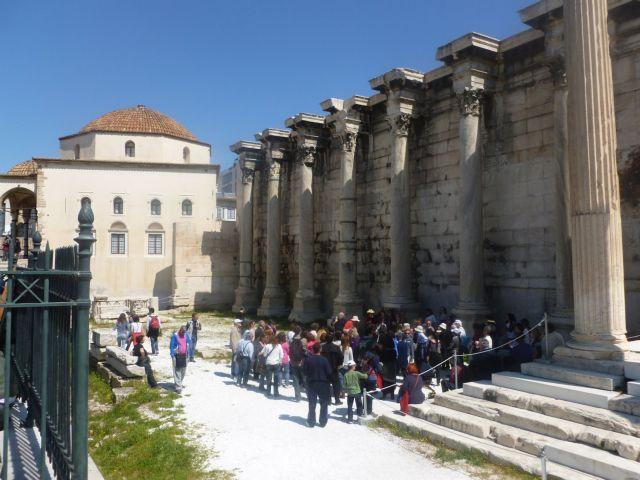 Ζητείται κατεπείγουσα στήριξη για τον τουρισμό | tovima.gr