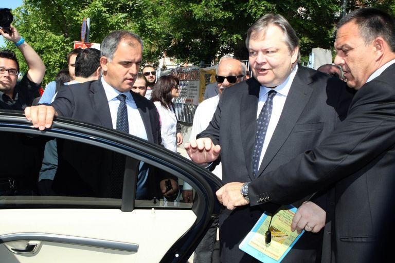 Ευ. Βενιζέλος: Συγκαλεί σύσκεψη με πρωτοκλασάτα στελέχη | tovima.gr
