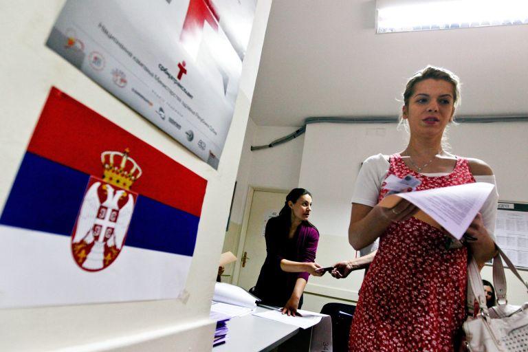 Σερβία: Τάντιτς – Νίκολιτς στον β' γύρο των προεδρικών εκλογών | tovima.gr
