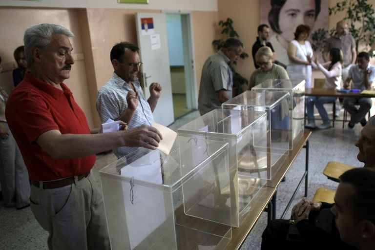 Oι Σέρβοι ψηφίζουν για Πρόεδρο, Βουλή και τοπική αυτοδιοίκηση | tovima.gr