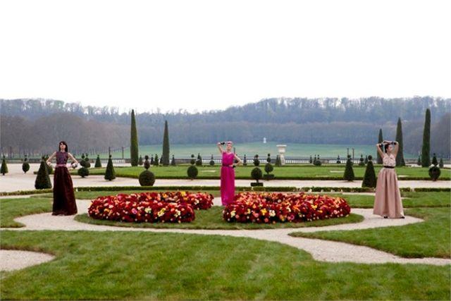 Στον μαγικό κήπο του Dior | tovima.gr