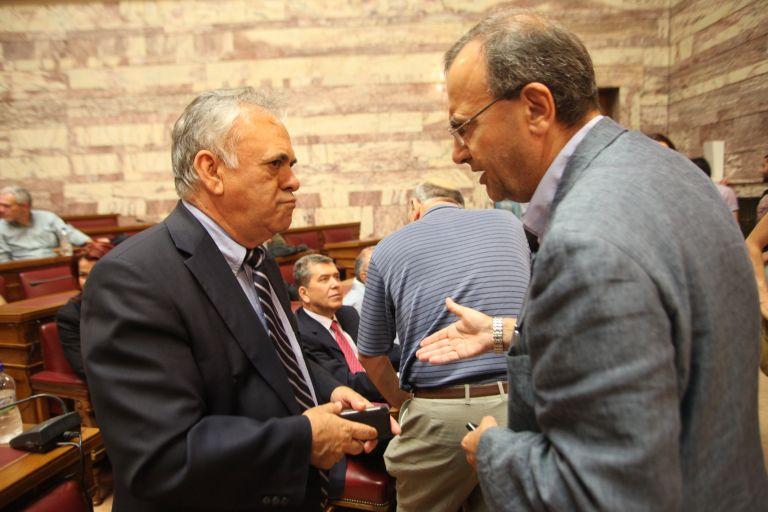 Δραγασάκης: Εγχώριες δυνάμεις πίσω από τις αιχμηρές δηλώσεις Μπαρόζο   tovima.gr