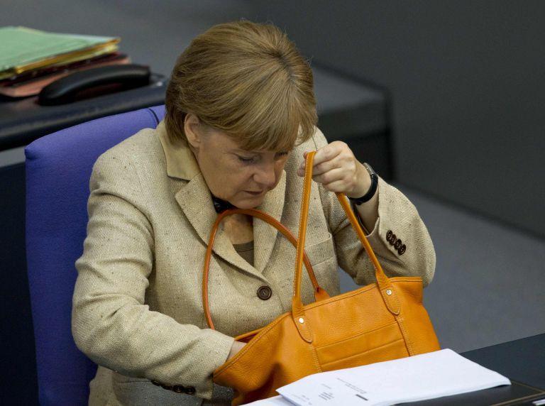 Μέρκελ: «Εξακολουθούμε να θέλουμε την Ελλάδα στην Ευρωζώνη» | tovima.gr
