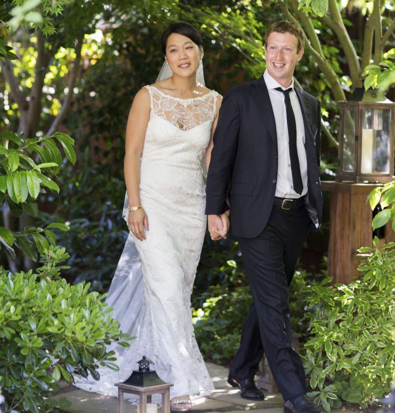 Παντρεύτηκε ο Μαρκ Ζούκερμπεργκ | tovima.gr