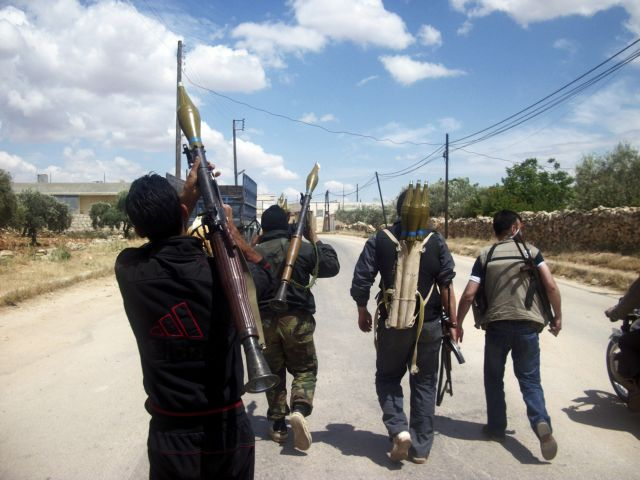 Τα σουνιτικά καθεστώτα βοηθούν τους αντικαθεστωτικούς της Συρίας | tovima.gr