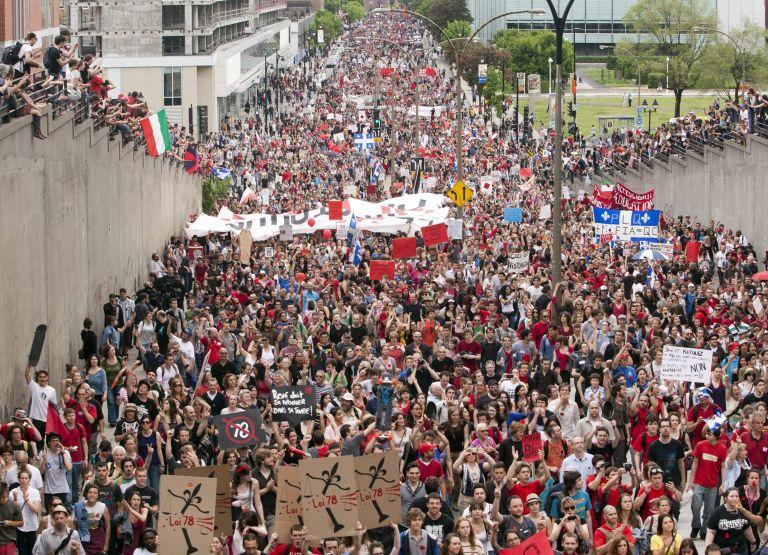Δεκάδες χιλιάδες διαδηλωτές στους δρόμους του Μόντρεαλ | tovima.gr