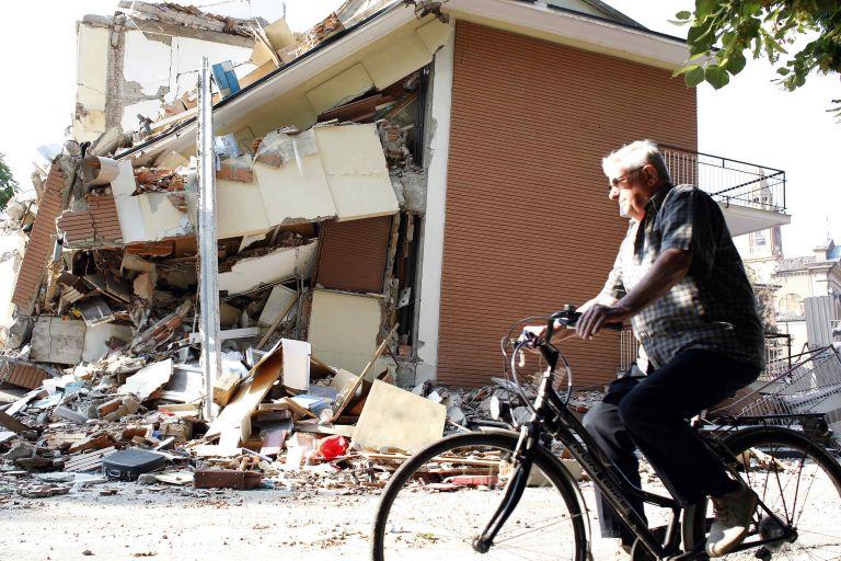 Ισχυρός σεισμός μεγέθους 4,8 βαθμών στην Βόρεια Ιταλία   tovima.gr