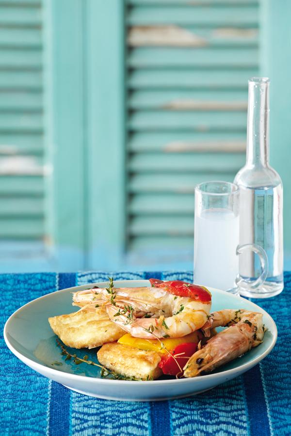 Σαγανάκι κεφαλοτύρι με ψητές πιπεριές και γαρίδες   tovima.gr