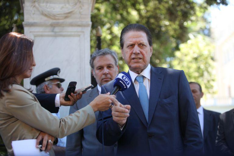 Βολές της ΠΟΕ-ΟΤΑ εναντίον του Βύρωνα Πολύδωρα | tovima.gr