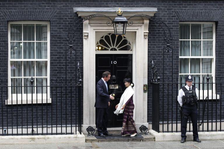 Στη βρετανική βουλή μίλησε η ηγέτιδα της αντιπολίτευσης στη Μιανμάρ | tovima.gr