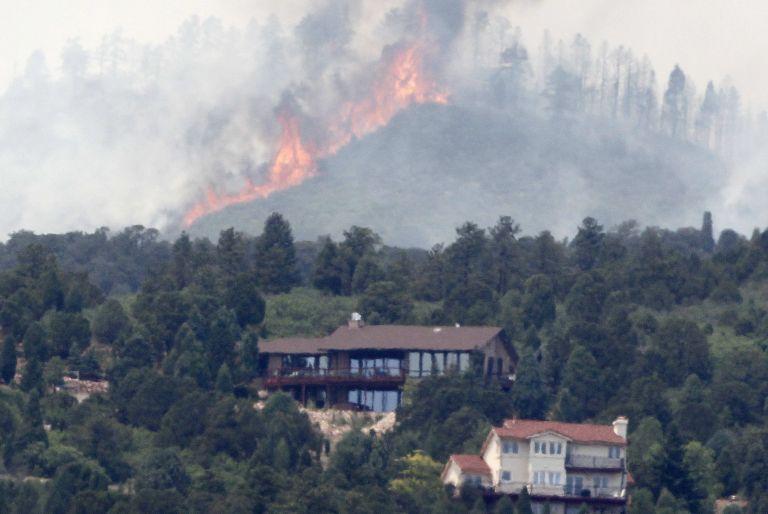 ΗΠΑ: Μεγάλες πυρκαγιές στο Κολοράντο – Εκκενώθηκαν 1.000 σπίτια | tovima.gr