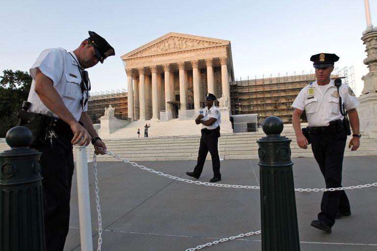ΗΠΑ: Στο Συνταγματικό Δικαστήριο ο νόμος για την ασφάλιση υγείας | tovima.gr