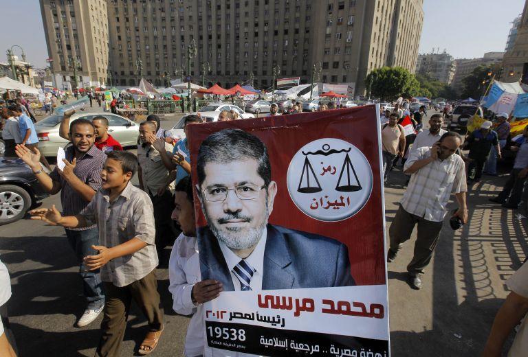 Αίγυπτος: συμβολική ορκομωσία του Μόρσι στην πλατεία Ταχρίρ | tovima.gr