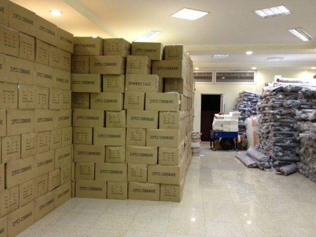 Συλλήψεις για παράνομους εκτελωνισμούς εμπορευμάτων | tovima.gr