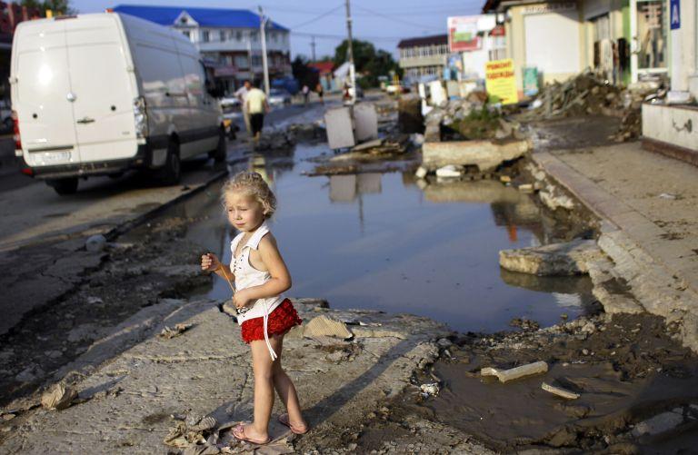 Ρωσία: Η κυβέρνηση παραδέχτηκε λάθη στον χειρισμό των πλημμυρών | tovima.gr