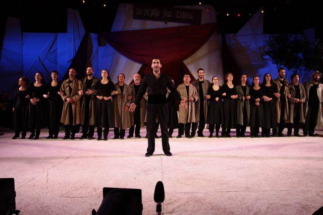 Ζαχαρίας Καρούνης: Οταν τραγουδώ ακούω την ψυχή μου | tovima.gr