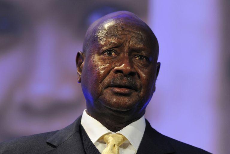 Ουγκάντα: Υπεγράφη ο νόμος που ποινικοποιεί την ομοφυλοφιλία   tovima.gr