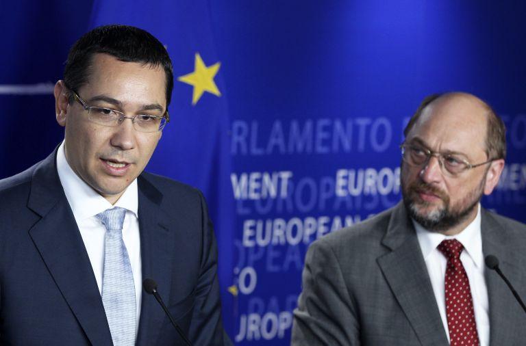 Στις Βρυξέλλες ο πρωθυπουργός της Ρουμανίας για τη δίωξη Μπασέσκου | tovima.gr