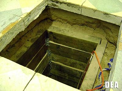 Αριζόνα: Εντόπισαν υπόγεια σήραγγα μεταφοράς ναρκωτικών από το Μεξικό | tovima.gr
