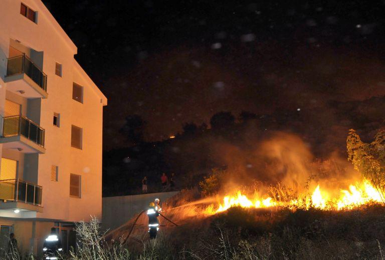 Μαυροβούνιο: Πυρκαγιά «απείλησε» πρεσβείες   tovima.gr