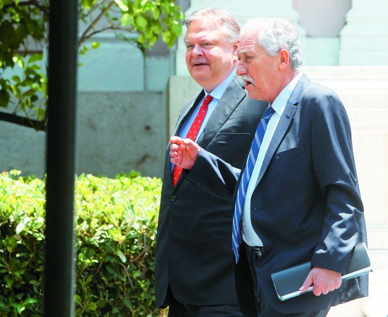 Για δύο φάσεις εφαρμογής των μέτρων συμφώνησαν Βενιζέλος – Κουβέλης   tovima.gr
