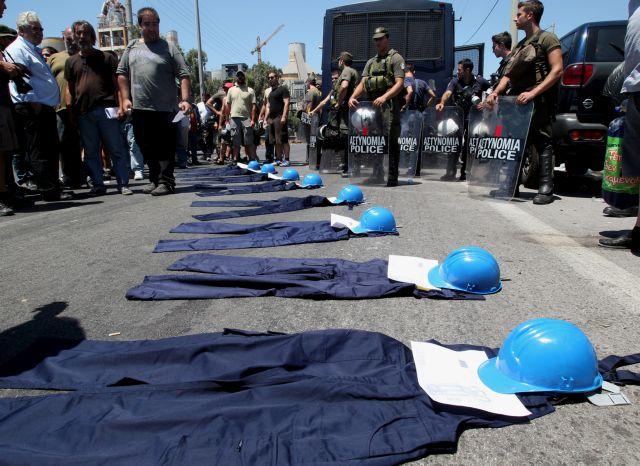 Θα συνεχίσουν την απεργία τους οι εργάτες της Χαλυβουργίας | tovima.gr