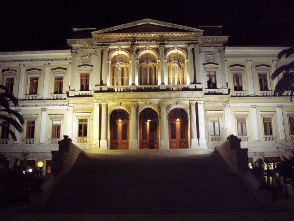 Ο Αγγελος Αντωνόπουλος στο 8ο Διεθνές Φεστιβάλ Μουσικής Κυκλάδων | tovima.gr
