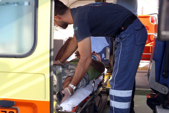 Σοβαρές βλάβες σε πολλά ασθενοφόρα, σύμφωνα με τους εργαζομένους του ΕΚΑΒ   tovima.gr