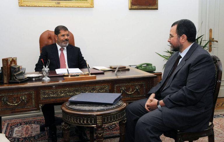 Ο Χισάμ Καντίλ λαμβάνει εντολή σχηματισμού κυβέρνησης στην Αίγυπτο | tovima.gr