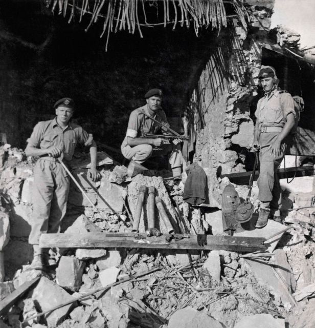 Βαναυσότητες του βρετανικού στρατού κατά Ελληνοκυπρίων | tovima.gr