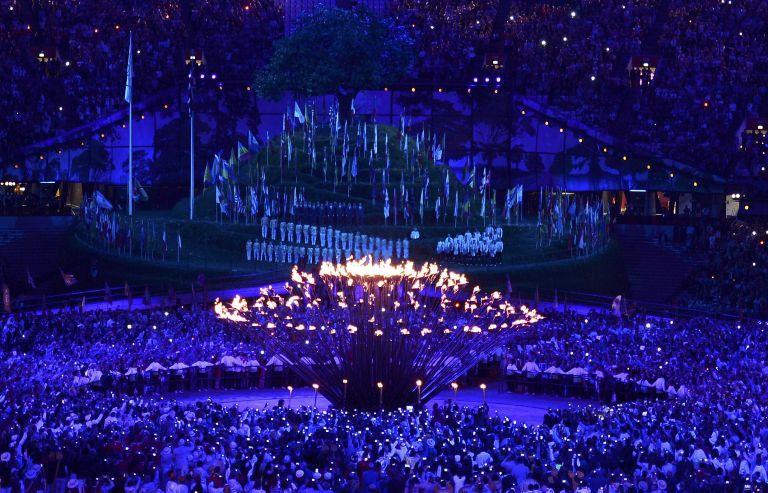 Αρνητικά τα σχόλια για την τελετή έναρξης των Ολυμπιακών Αγώνων | tovima.gr