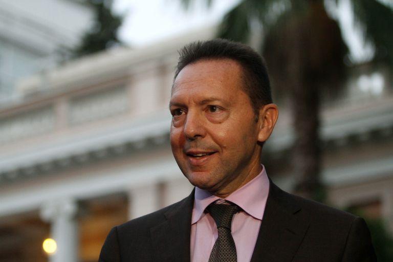 Σε εξέλιξη η συνάντηση τρόικας – Στουρνάρα για τα νέα μέτρα   tovima.gr