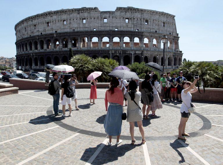 Πέφτουν… πέφτουν τα  μνημεία στην Ιταλία | tovima.gr