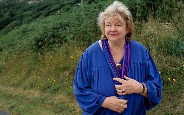Απεβίωσε η Ιρλανδή συγγραφέας Μέιβ Μπίντσι | tovima.gr