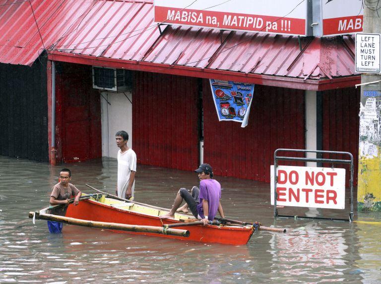 Φιλιππίνες: 23 νεκροί και χιλιάδες άστεγοι από τον τυφώνα Σαόλα | tovima.gr