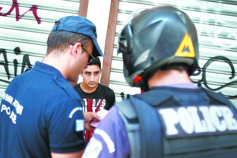 «Ξένιος Ζευς»: 60 συλλήψεις από τις 393 προσαγωγές τη Δευτέρα   tovima.gr