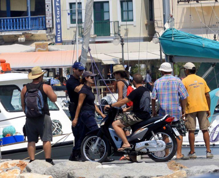 Νάξος: Μηχανική βλάβη στο Andros jet | tovima.gr