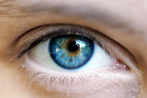 Εξελιγμένο «βιονικό μάτι» χαρίζει φυσιολογική όραση   tovima.gr