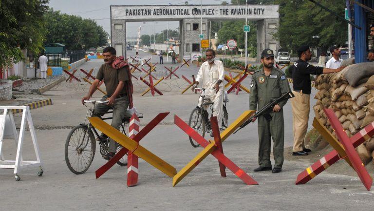 Πακιστάν: επίθεση ενόπλων σε αεροπορική βάση   tovima.gr