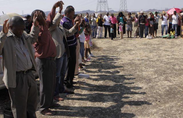 Ν. Αφρική: μετά το μακελειό οι απειλές απόλυσης αρχίζουν να αποδίδουν   tovima.gr
