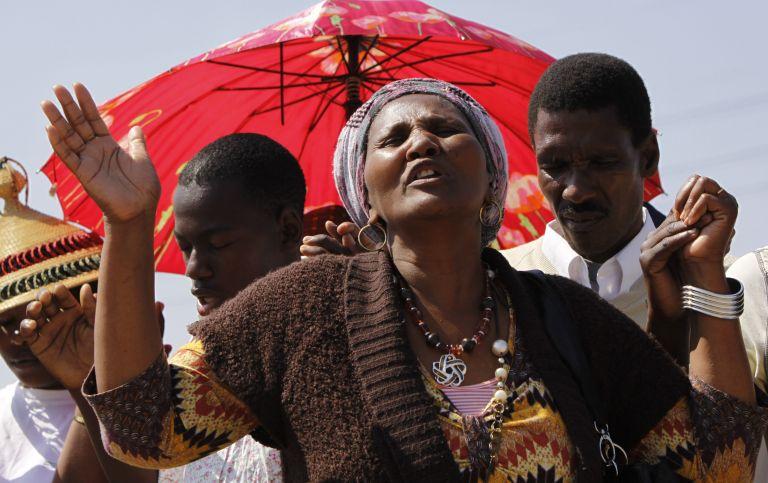 Νότια Αφρική: Αστυνομική προστασία για τους μη απεργούς του ορυχείου   tovima.gr