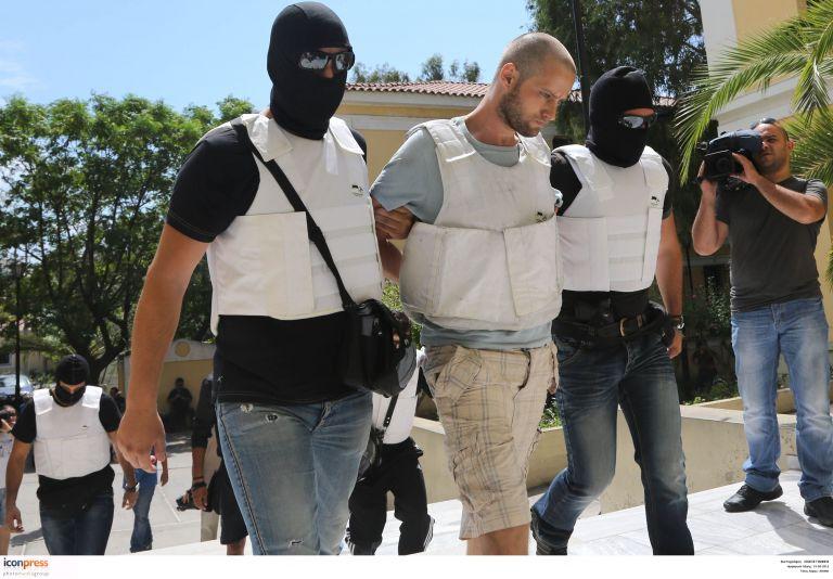 Δίωξη σε βαθμό κακουργήματος σε βάρος του 30χρονου για το φονικό στην Πάρο | tovima.gr