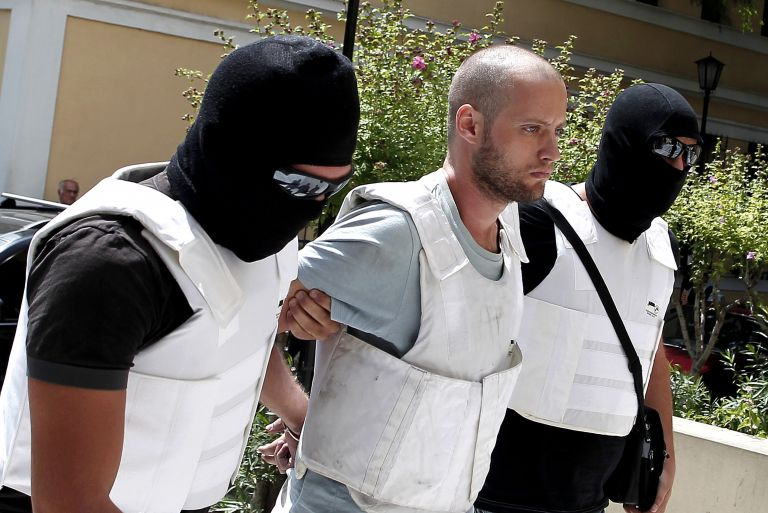 Φυλάκιση 15 μηνών στον Θεοφίλου για αντίσταση | tovima.gr
